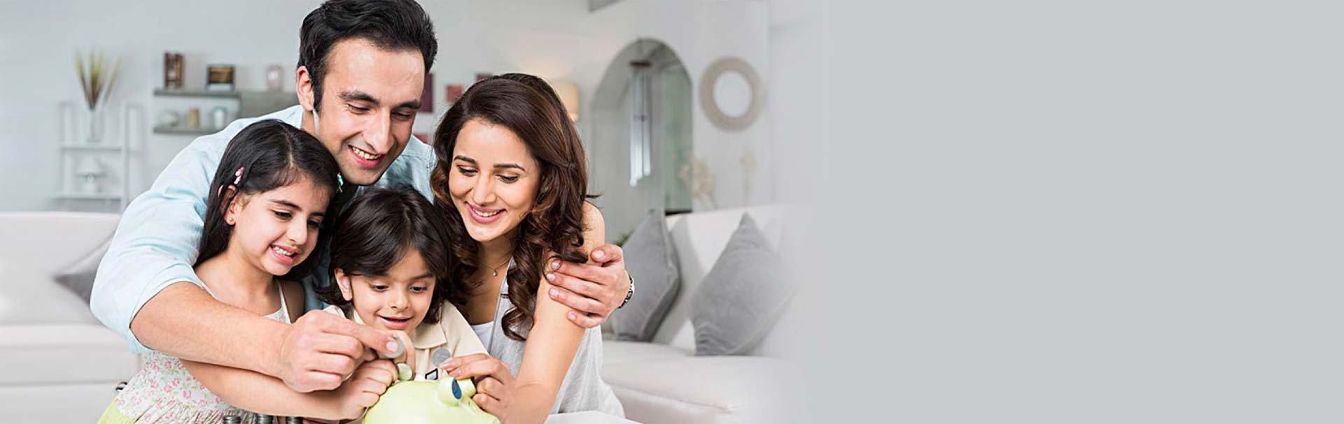 Benefit from our wide range of Baroda Savings Accounts