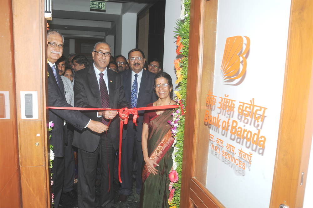 Shri S. S. Mundra, Chairman and Managing Director, Bank of Baroda is seen inaugurating the new office for centralized NRI Services. Also present are Shri Ranjan Dhawan, Executive Director, Shri Prabhat Agarwal General Manager – Resources, Wealth Mgmt & Marketing, Mrs. V Rukmini, Dy. General Manager - NRI Services and other Senior Executives of the Bank.